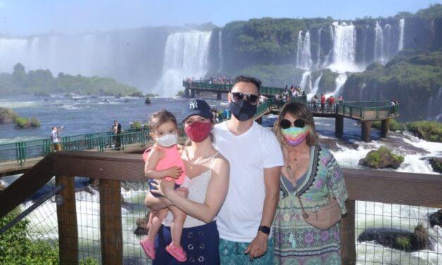 Más de 14.3 mil ya visitaron las Cataratas en el Carnaval: 9.3 mil en Brasil y 5.000 en Argentina.