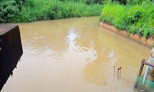 El gobernador firma convenio para la ejecución de  obra en la toma de agua sobre el Mbocay