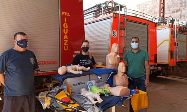 Bomberos Voluntarios recibieron equipamiento para realizar RCP