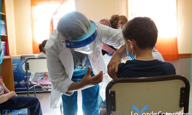 Los niños ya pueden recibir la vacuna anticovid sin necesidad de turno