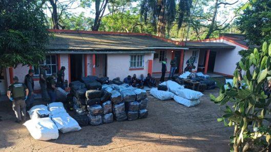 Allanan dos inmuebles y decomisan mercadería de contrabando valuada en más de 30.000.000 pesos (1)