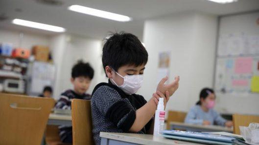 SM-chicos-escuela-alumnos-barbijo-clases-25062020
