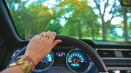 mujeres-al-volante